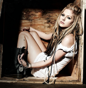 avril+lavigne+goodbye+lullaby+2-294x300